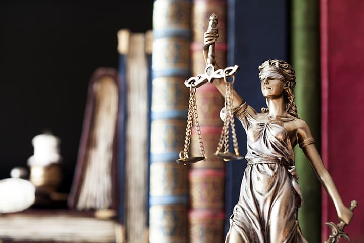 Lady-Justice-Scales